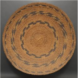 BAMTUSH POMO INDIAN BASKETRY TRAY