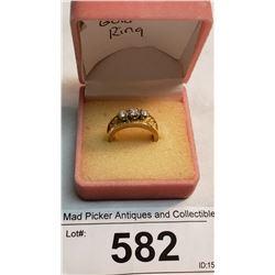 18K Gold Ladies Ring Set With 3 Brillant Diamond