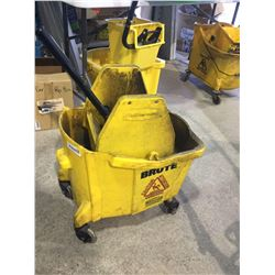 Brute Commercial Mop Bucket