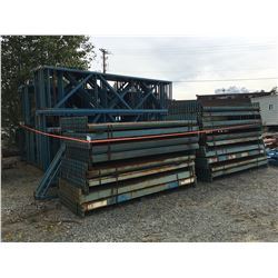 LARGE GROUP OF MASTO PALLET RACKING, UPRIGHTS & BEAMS (BLUE)