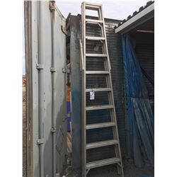 10' ALUMINUM STEP LADDER