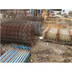 GROUP OF SCRAP RACKING & WIRE FENCING