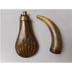 ANTIQUE POWDER FLASK WIT POWDER HORN