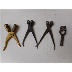 ANTIQUE HAND RELOADING TOOLS