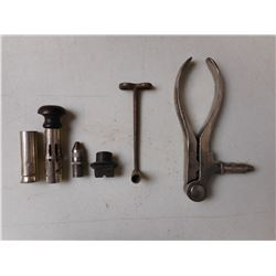 HAND RELOADING TOOLS