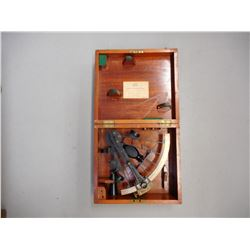 ANTIQUE SPENCER BROWNING & CO. BRASS SEXTANT IN WOODEN BOX