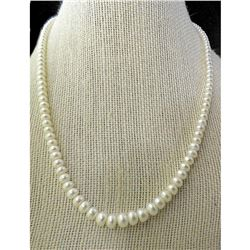 """Graduated Freshwater Pearls 14kt Gold 18"""" Necklace"""