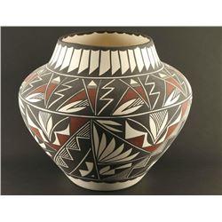 Large Acoma Pot