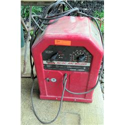 Lincoln Electric Single Phase 60 Hertz AC/DC Arc Welder