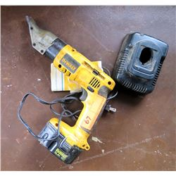 DeWalt 14.4V Cordless Swivel Head Shear Tool