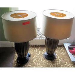 Qty 2 Table Lamps w/ Decorative Base & Round Shades