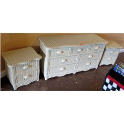 PIER 1 White Wicker 3 piece 7 drawer dresser wit 2 end tables