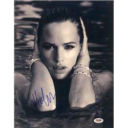Jennifer Garner Signed 11x14 Photo (PSA COA)