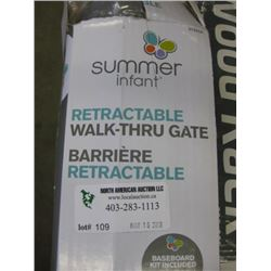 SUMMER INFANT - RETRACTABLE WALK THROUGH GATE