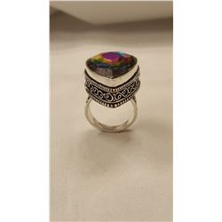 BRILLIANT 16 CT MYSTIC QUARTZ RING