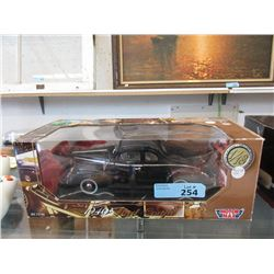 Die Cast 1:18 Scale Model 1940 Ford Coupe