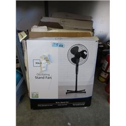 5 Oscillating Stand Fans - Store Returns