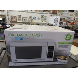 GE 1.1 Cubic Foot 1100 Watt Microwave