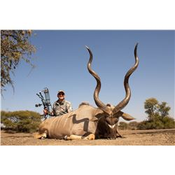 DRIES VISSER: 10-Day Plains Game Safari for Two Hunters and Two Non-Hunters in South Africa - Includ