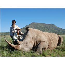 TAM SAFARIS: 7-Day DARTED White Rhino Hunt for One Hunter and One Non-Hunter in Eastern Cape, South