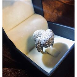 AVANTI: Breathtaking 18K White Gold and Diamond Heart Ring