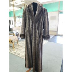 FULL LENGTH SILVER RACCOON COAT - MEDIUM  WILLIAM FURS