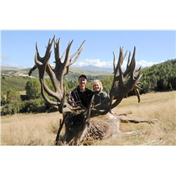 6 - DAY 5- NIGHT NEW ZEALAND RED STAG HUNT FOR 2 HUNTERS SCORING UP TO 400 SCI (Trophy fee for 2 red