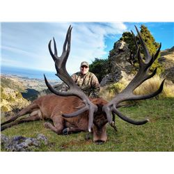 SOUTH PACIFIC SAFARIS NEW ZEALAND 5-day Guided Hunt for 1 Hunter and 1 Observer for 1 Red Stag up to