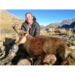 FOUR SEASONS SAFARIS NEW ZEALAND 4-Day Red Stag, Tahr and Chamois Hunt for 2 Hunters