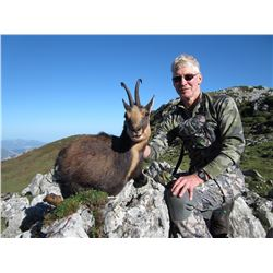 SPANISH IBEX AND CHAMOIS Great Cantabrian Chamois Hunt Without Size Limit for 1 Hunter in Castilla L