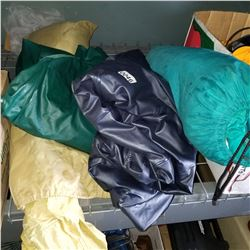 2 AIR MATTRESSES AND 2 TENTS