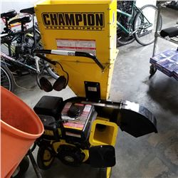 CHAMPIONN 388CC WOOD CHIPPER - WORKING