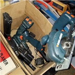 BLACK AND DECKER CORDLESS DRILL SET W/ BATTERIES