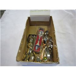 LOT OF COLLECTIBLE SPOONS