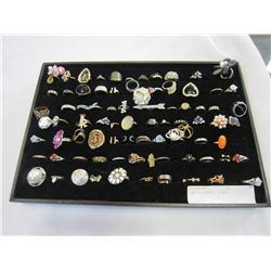 TRAY OF NOVELTY RINGS