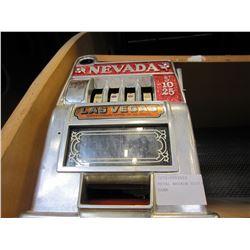 METAL NEVADA SLOT MACHINE COIN BANK