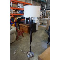 PAIR OF MODERN FLOOR LAMPS W/ SHADES