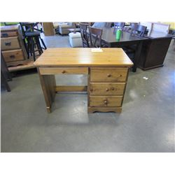 NEW FLOOR MODEL SOLID PINE STUDENTS DESK WITH 3 DRAWERS AND PENCIL DRAWER, DOVETAILED DRAWERS, WOOD