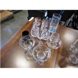 LOT OF MARTINI GLASSES AND STEMLESS WINE GLASSES & BLUE ART GLASS DRINK MIXER