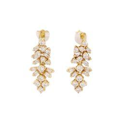 0.7 ctw Diamond Earrings - 18KT Yellow Gold
