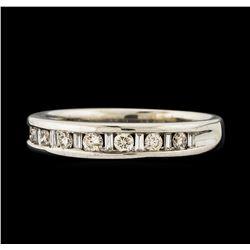 0.38 ctw Diamond Ring - 14KT White Gold