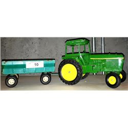 VINTAGE JOHN DEERE DIE CAST TRACTOR AND WAGON