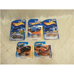 5 Hot Wheels Corvette