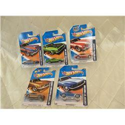 5 Hot Wheels Mustangs