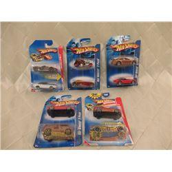 2 Hot Wheels 5 Packs