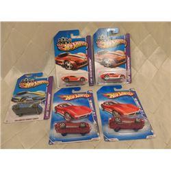 5 Hot Wheels Corvettes