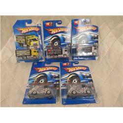 3 Hot Wheels Hi-Way Haulers & 2 HW Combat Ambulance