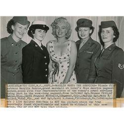 Marilyn Monroe and US Servicewomen