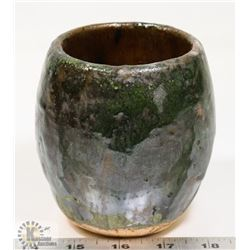 54) GREEN POT UNSIGNED ATTRIBUTED TO MARY