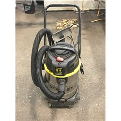 Stanley 6HP 8 Gallon Wet/Dry Vac